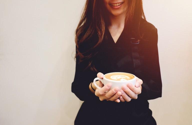 Cuando transcurrió ese mes de cafés y largas conversaciones, me sentía flechada por cupido