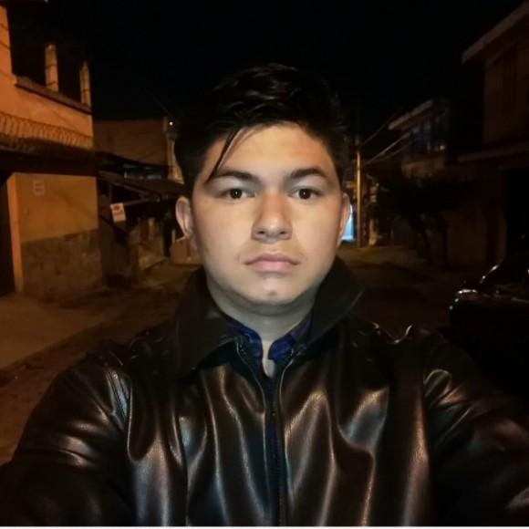 Foto del perfil de Adrián Tobar